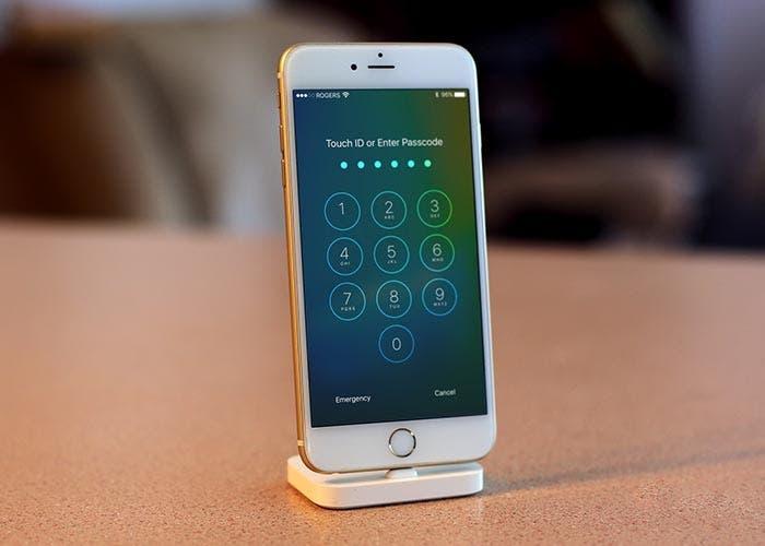 iPhone en la pantalla de desbloqueo