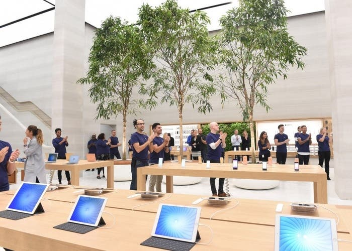 Apple store redesign in London