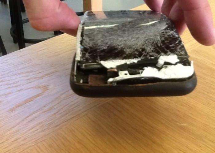 Explota un iPhone 6 Plus mientras se cargaba