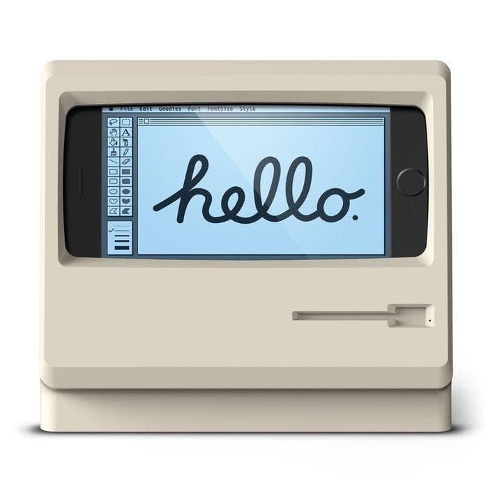 Este el soporte de carga para iPhone que imita la forma de un Macintosh