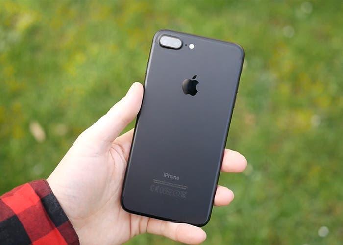 iPhone-7-Plus-jóvenes