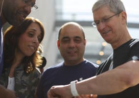 Tim Cook con el Apple Watch