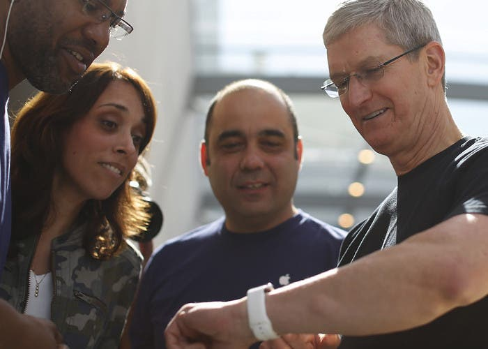 Tim Cook prueba sensor de Apple Watch para medir glucosa en la sangre