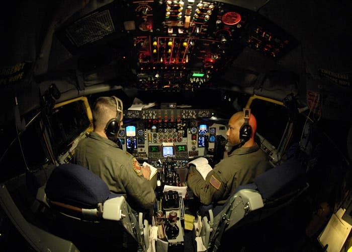 Cabina avión militar