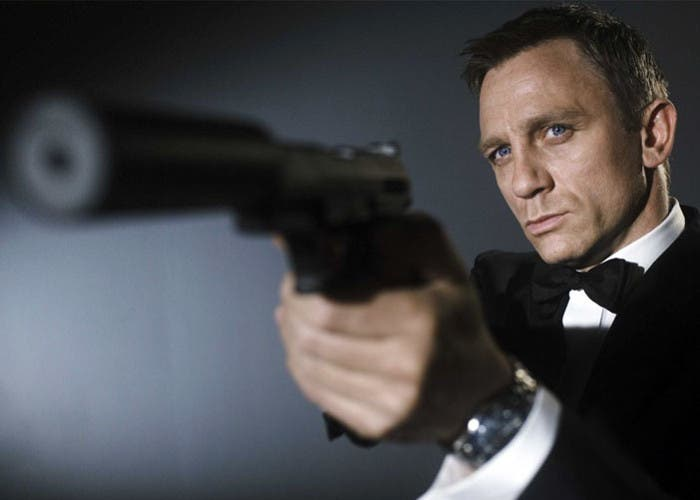 Apple quiere comprar la franquicia James Bond