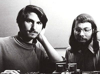 Steve Jobs y Steve Wozniak en 1977