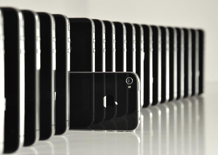 iPhone apliados en dominó