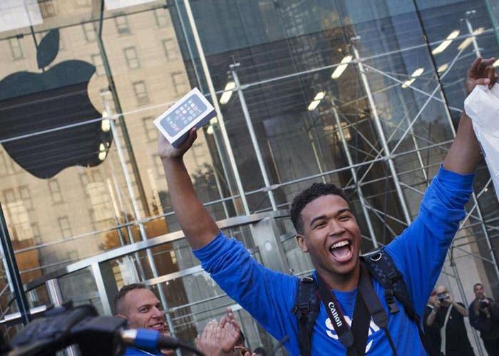 Primeros compradores del iPhone 5s