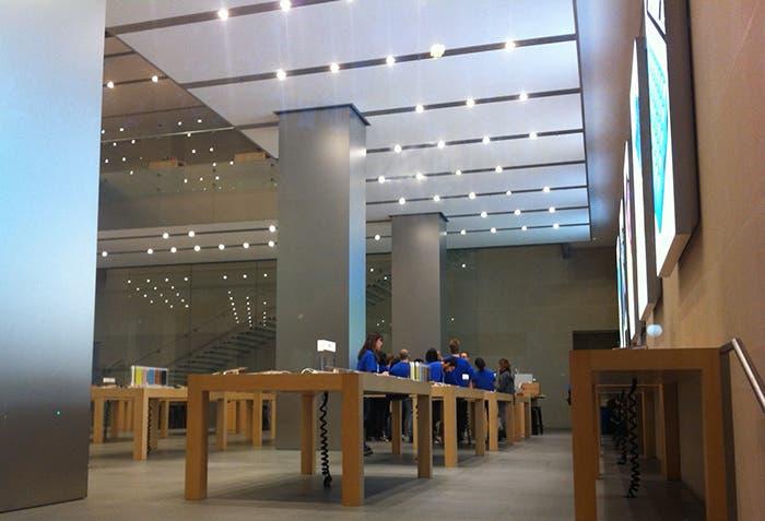 Apple Store nada mas abrir