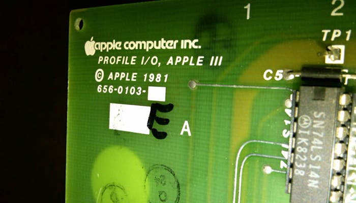 Fotografía de la placa base del Apple III